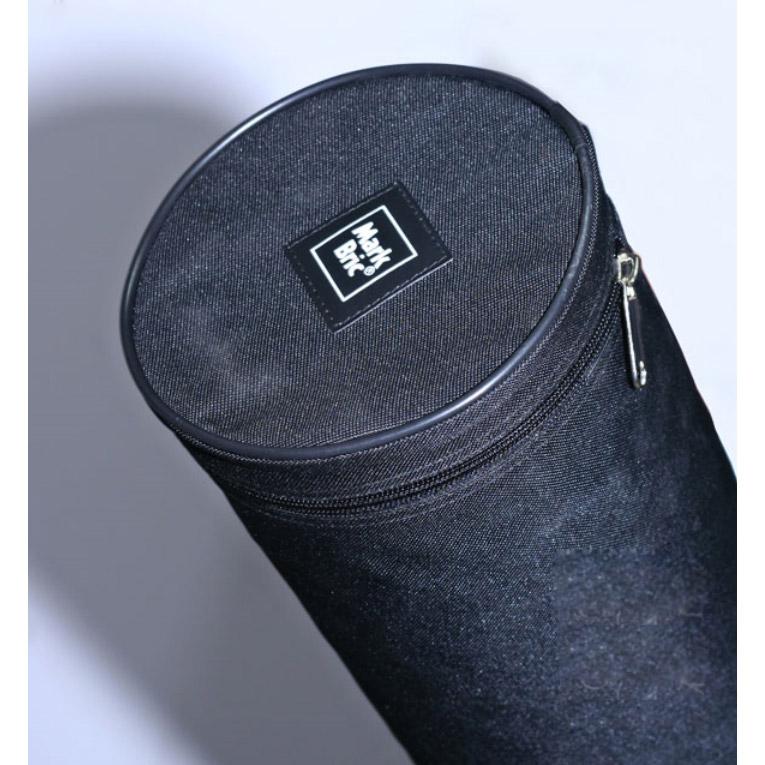 Стенд Мультимастер поставляется в удобной сумке, в которой есть место и для фотополотна.