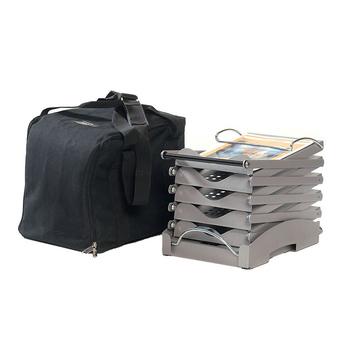 в комплекте с буклетницей поставляется качественная матерчатая сумка-переноска