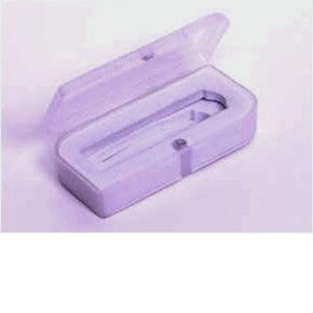 Упаковка №2: пластиковая коробка для флешек с алюминиевым корпусом и с карабином для ключей