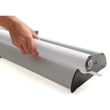 Легкая смена фотопанели в баннерном рекламном стенде BannerUp Cabrio Швеция