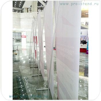 L-banner стенды размером 90х215см.